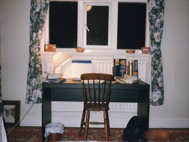 イギリス神父宅での部屋と勉強机