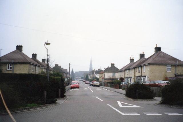 イギリス・ケンブリッジの住宅街にある車道
