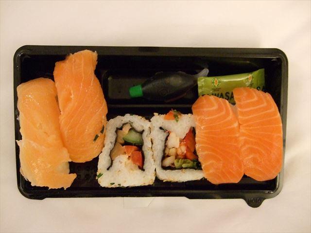 イギリスマークスアンドスペンサーのお寿司